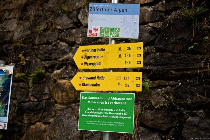 Pancartes juste après Breitlahner