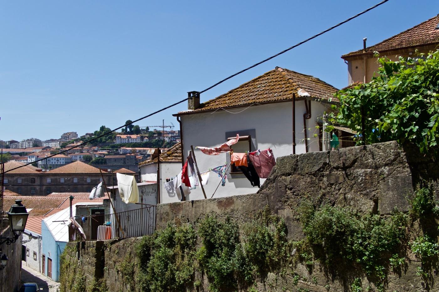 Descente vers la Ribeira, Porto
