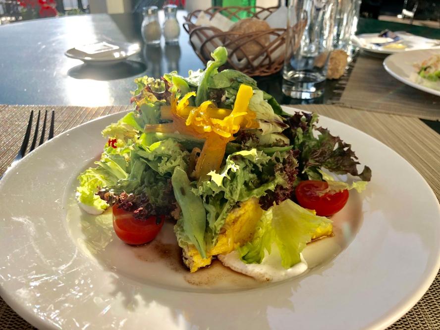 Salade au poulet et gingembre